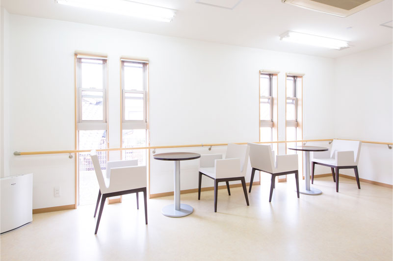 リーガルシニア瓢箪山居室1階談話スペース
